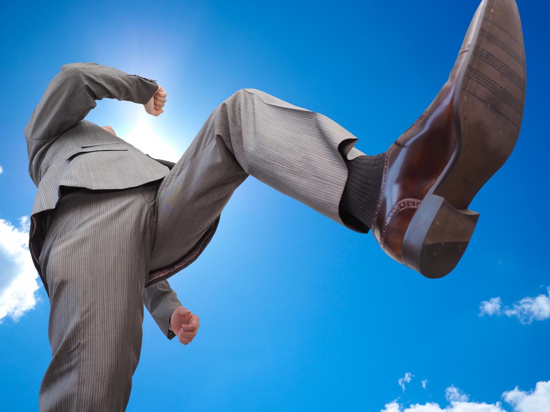 営業が属人化してしまった結果とその対処「営業部長A氏の改革」_営業マン